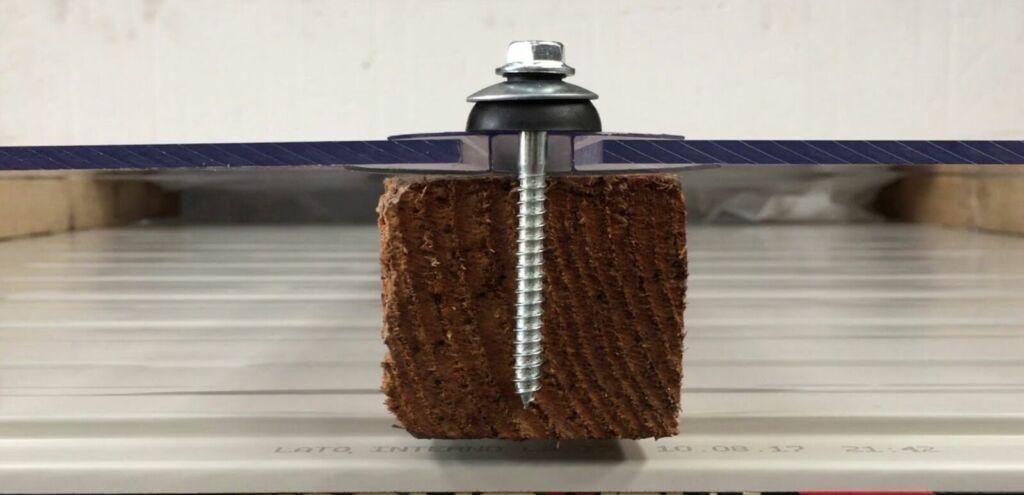 Sistema fissaggio rifacimento coperture
